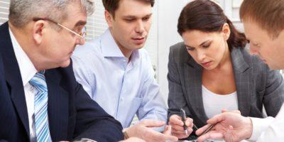 Omistajan, hallituksen ja johdon roolit voimakkaassa muutostilanteessa